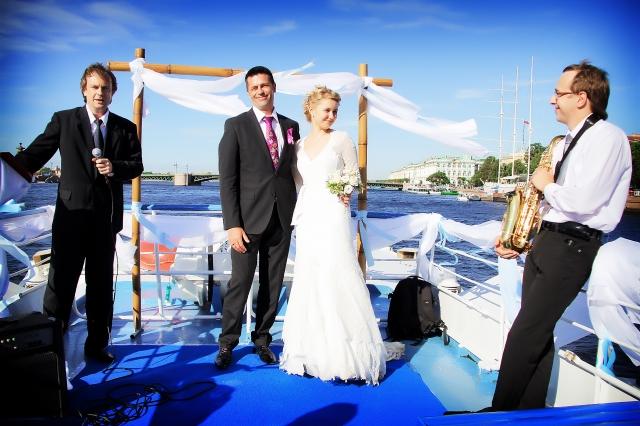 Может ли капитан официально зарегистрировать брак в море